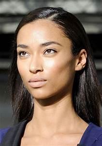 Raie Sur Le Coté Homme : la raie cheveux un style qui va toutes les formes de visage ~ Melissatoandfro.com Idées de Décoration