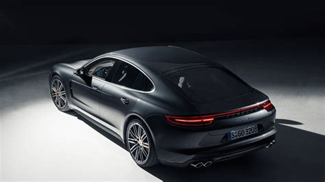 wallpaper  desktop laptop  porsche panamera dark
