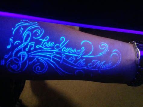 Ist Der Schwarzlicht Tattoo Eigentlich Gefahrlos?