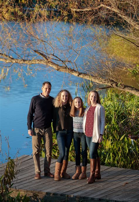 Reston family portraits: A family with teenage girls at ...