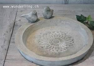 Beton Gießen Basteln : vogelbad aus beton mit ornament wunderling pinterest basteln and ornaments ~ Indierocktalk.com Haus und Dekorationen