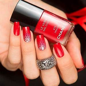 fresh and trendy ways to match your prom nails colors with