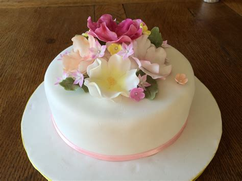 cakes decorated with flowers obsessive creativity disorder living with a to