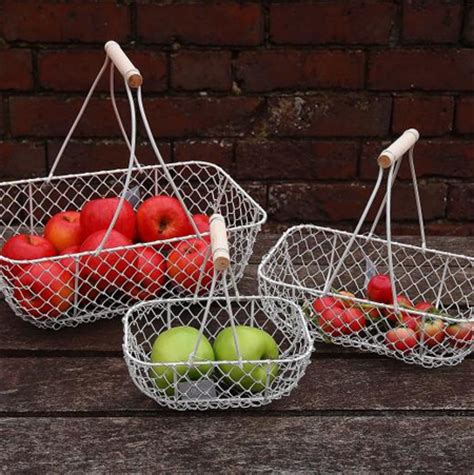 home dzine craft ideas  baskets  chicken wire