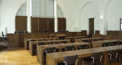 juge du si鑒e à la barre pour avoir outragé un juge taxé d 39 antisémitisme