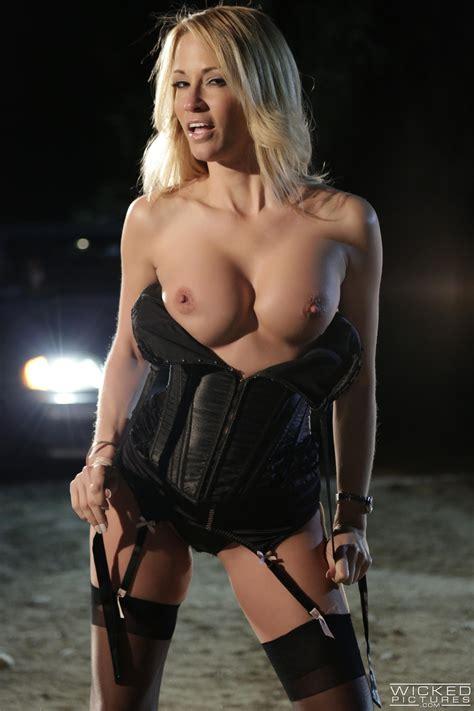 Sexy Woman In Black Lingerie Got Gangbanged Photos Jessica Drake MILF Fox