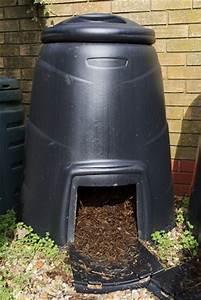 Regenwürmer Kaufen Garten : anleitung zum richtigen kompostieren im garten ~ Lizthompson.info Haus und Dekorationen