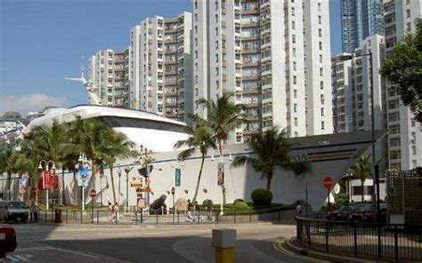 Ship Mall by Cruise Ship Shaped Mall Highlights Amazing Cruise Port