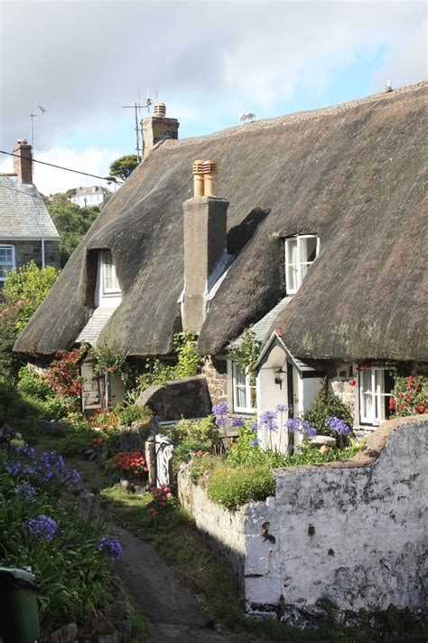 cottage cornwall cadgwith is one of the most beautiful villages in