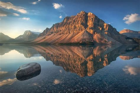 15 Of The Best Stock Photo Images Of The Stunning Bow Lake In Alberta