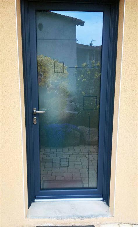 porte d entree vitree alu jade une porte d entr 233 e vitr 233 e en alu pour les maisons contemporaines portes d entree