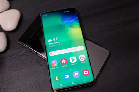 the samsung galaxy s10 can wirelessly charge other phones techcrunch