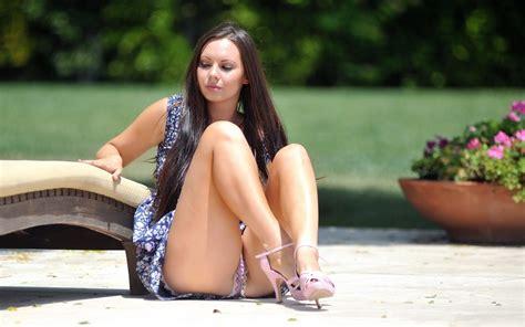Women Outdoors, Long Hair, Brunette, Sitting