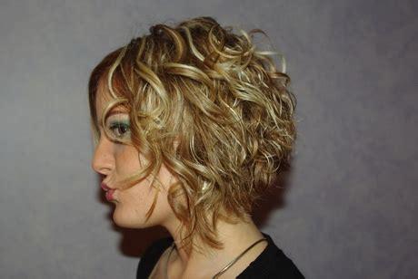 coiffure mi long carre plongeant