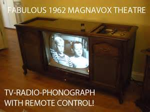 Old Magnavox Record Player Cabinet by Vintage Magnavox Tv Radio Stereo Tube Hi Fi Record Player