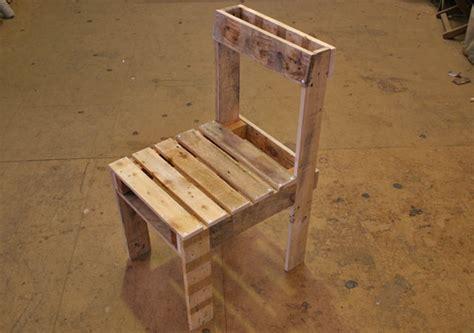 fabrication d une chaise en bois fabriquer chaise en palette