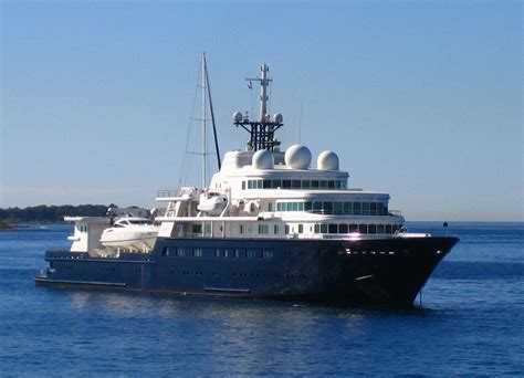 Yacht In Tagalog by Le Grand Bleu Yacht
