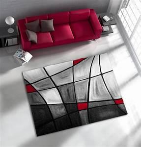 tapis de salon avec effet 3d gris et rouge chic With tapis rouge avec canapé corbusier