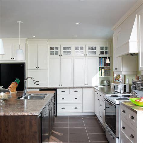 la cuisine de grand m鑽e cuisines beauregard cuisine réalisation 153 cuisine spacieuse en mélamine polyester et stratifié