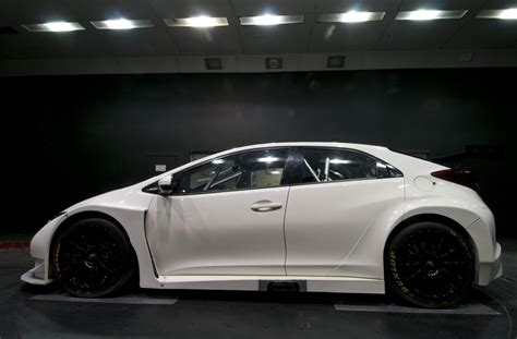 New Honda Civic Btcc Race Car Starts Testing