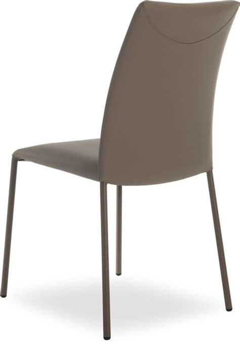 möbel aus metall stapelbare stuhl aus metall echte lederbezug idfdesign