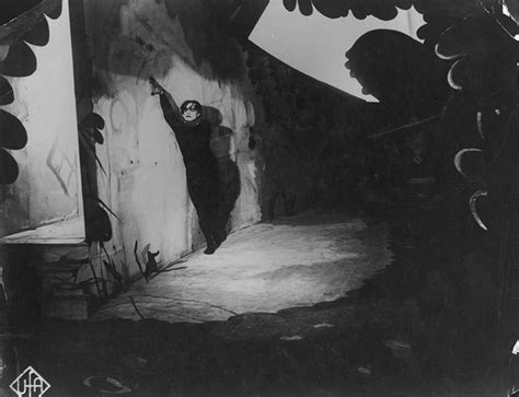 cabinet of doctor caligari summary das cabinet des dr caligari eureka