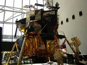 Lunar Landing Module Model - Pics about space