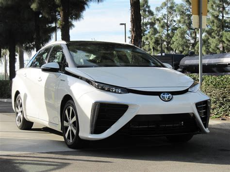 toyota hydrogen mirai fuel cell cars much cost does money lot many beach gas lose newport nov test perhaps electricity