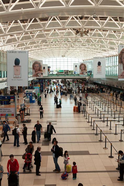 porto palermo partenze aeroporto buenos aires di ezeiza fotografia editoriale