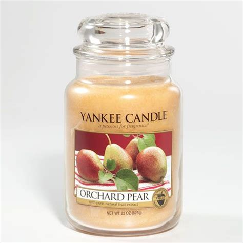 yankee candle oh christmas tree ripe succulent pears fresh from the tree warmed with notes of and cognac yankee