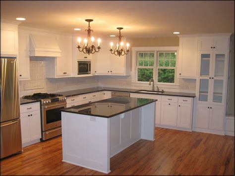 kitchen tile and cabinet combinations kitchen cabinet and wood floor color combinations