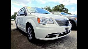 2011 Chrysler Town  U0026 Country Limited