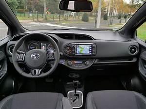 Essai Toyota Yaris Hybride 2018 : essai toyota yaris hybride chic 2017 la reine des villes page 2 sur 5 ~ Medecine-chirurgie-esthetiques.com Avis de Voitures