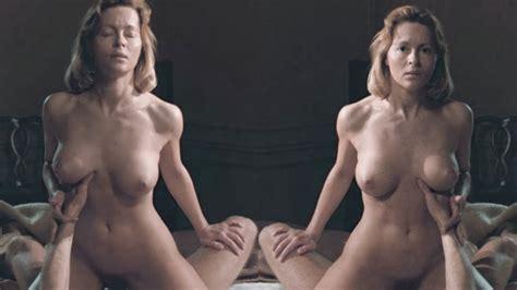 Guittoneau nackt Catherine  Catherine Guittoneau