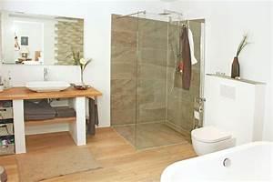 Waschtisch Und Begehbare Dusche