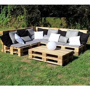 coussin pour canape palette maison design bahbecom With tapis shaggy avec canapé d angle en palette de bois