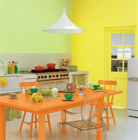 couleur de peinture pour cuisine associer la peinture orange dans salon cuisine et chambre