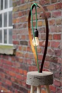 Lampen Selber Herstellen : diy lampe mit textilkabel und beton diy stehleuchte ~ Michelbontemps.com Haus und Dekorationen