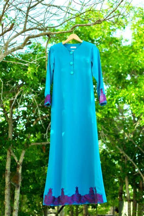 corat coret nusha jubah  peplum  raya