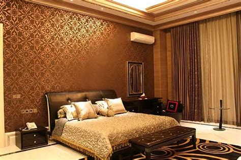desain wallpaper dinding  kamar tidur  terlihat