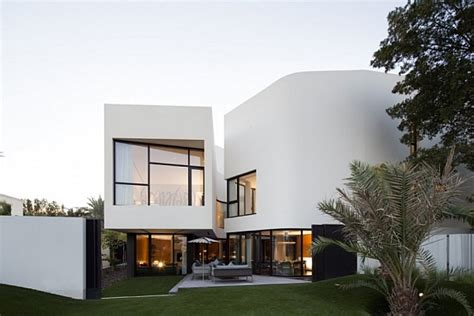 Mop House In Kuwait Looks Marvelous Amidst Spectacular