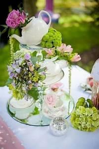 10 idees pour un mariage sur le theme quotalice au pays des for Kitchen colors with white cabinets with pliage de serviettes en papier