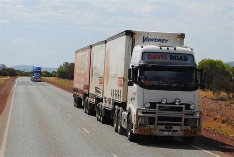 volvo trucks australia volvo fh16 in australia aussie road trains pinterest