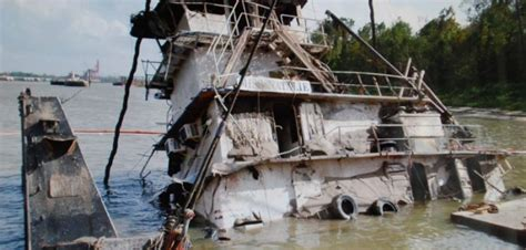 Tow Boat Sinks On Ohio River by Ntsb Downstreaming High Water Factors In Fatal Towboat
