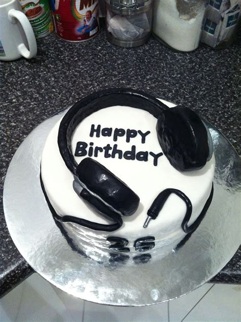 headphone cake cakecentralcom