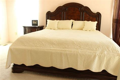Matelasse King Coverlet by 5 Pc Soft Solid Vibes Matelasse Quilt Bedspread