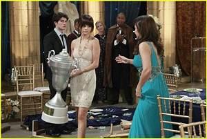 Gregg Sulkin & Selena Gomez: Corsage Couple   Photo 423748 ...
