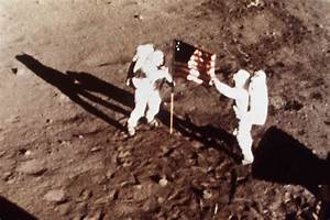 Neil Armstrong, First Man To Walk On The Moon, Dies : The ...