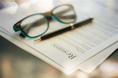 9 tips for managing gaps in your resume due to mental
