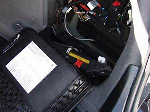 Service Manual  2005 Bmw 745 Battery Removal